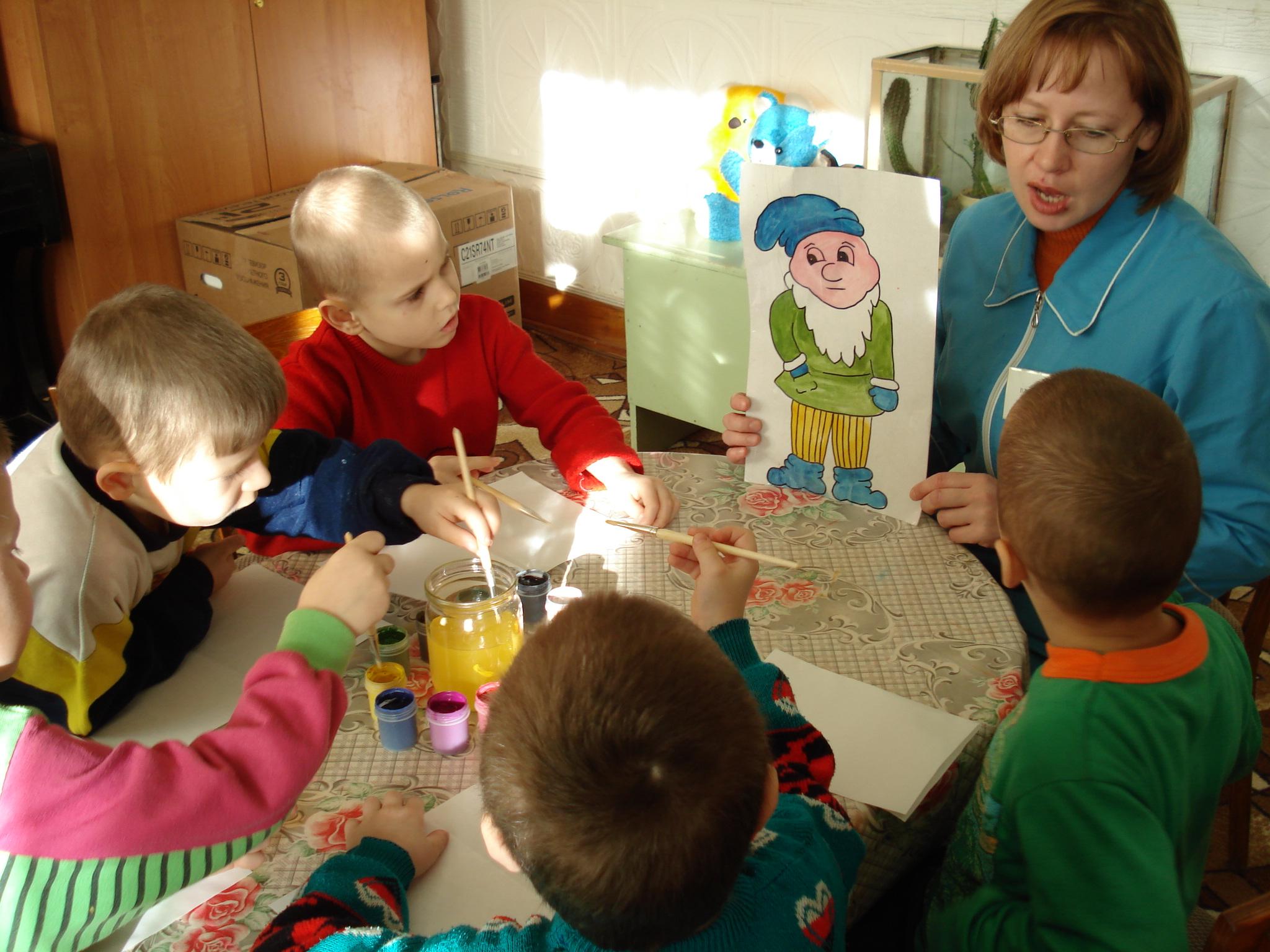 Фото детей занимающихся квиллингом